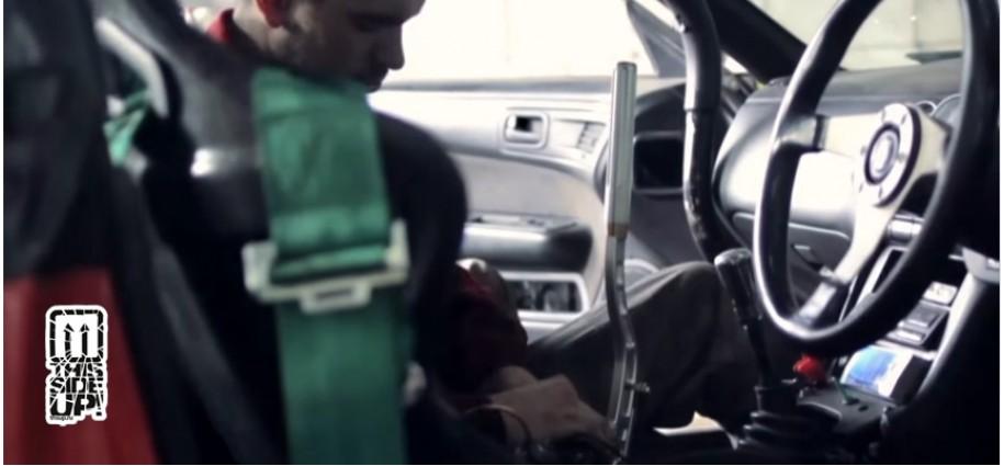 Set the parking brake for drift (video)